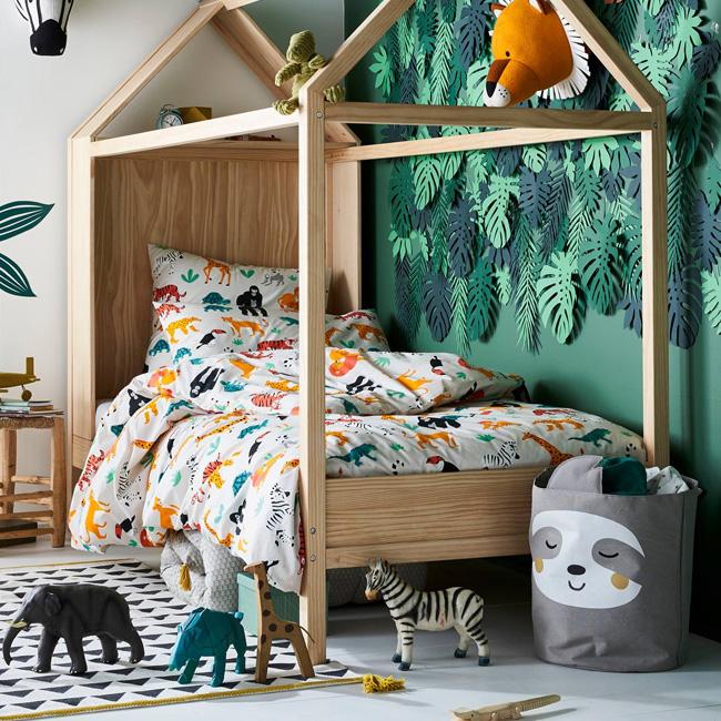 deco rentrée enfant lit cabane bois