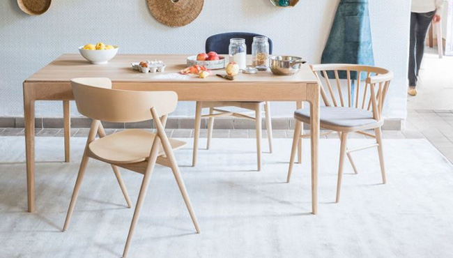 maison saulaie table bois moderne