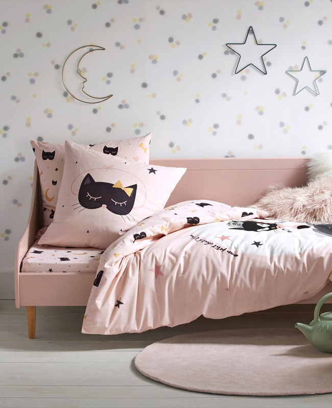 meuble rose chambre enfant lit banquette