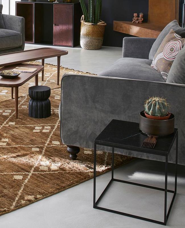 table basse marbre noir petite carrée