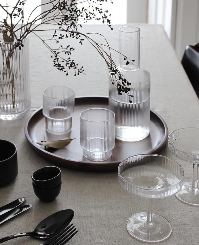 visite deco minimaliste service verre moderne