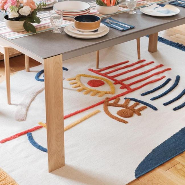 deco visage tapis laine colorée