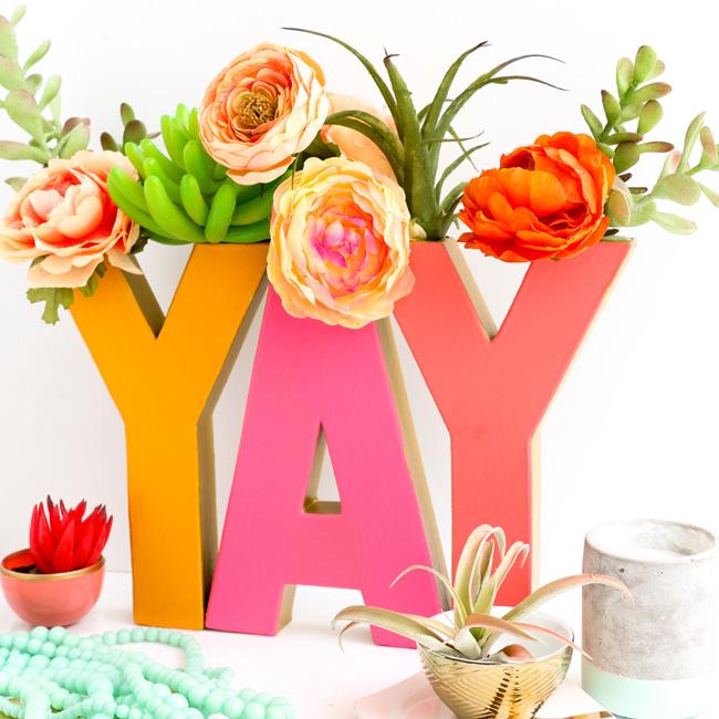 vase carton diy lettre colorée