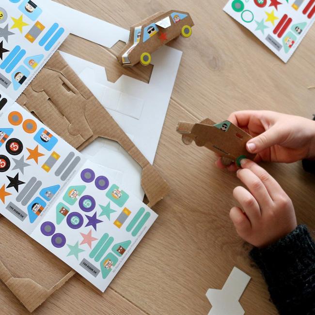 jouet eco friendly noel voiture carton