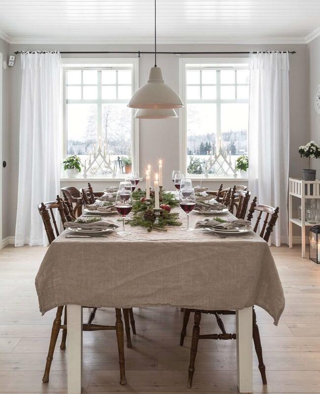 visite deco noel rouge or table