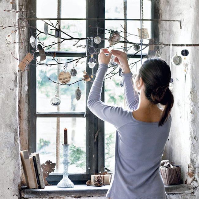 deco fenêtre noel à faire soi même branche suspendue