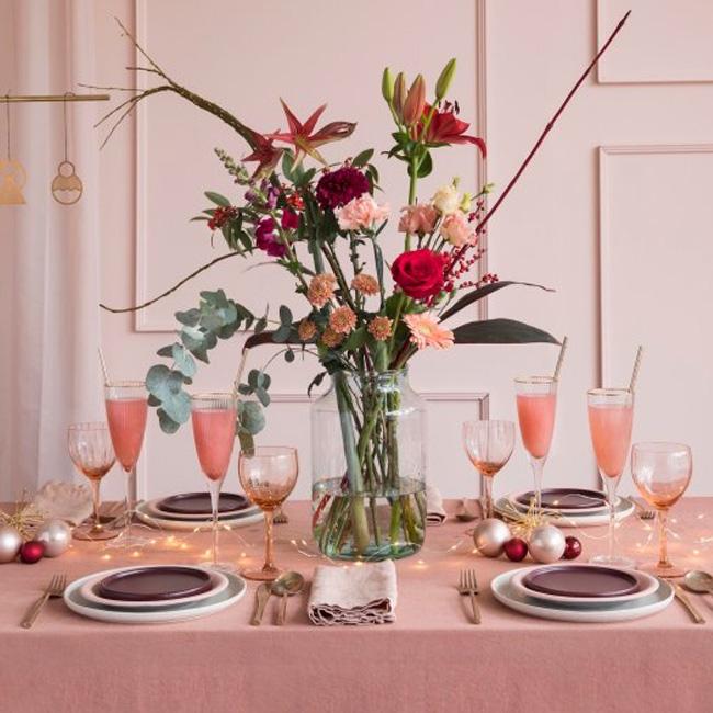 déco table noël rose et or poudré
