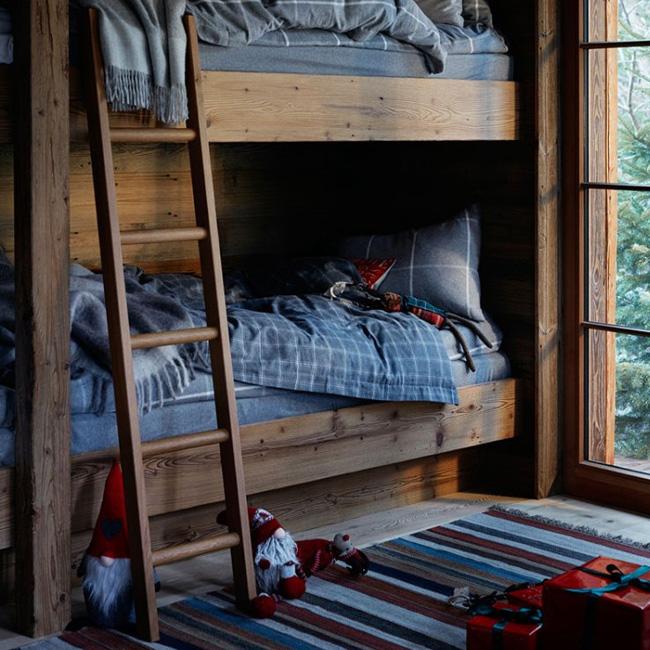 visite déco noel chalet rouge vert bois chambre enfant