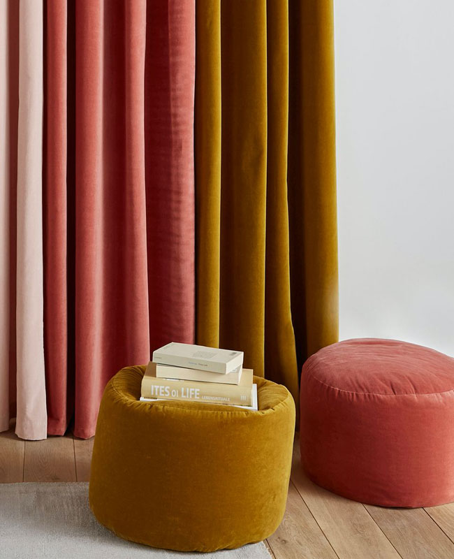pouf velours jaune moutarde
