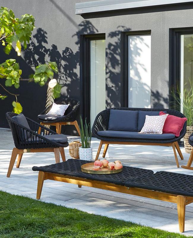 salon de jardin moderne noir bois
