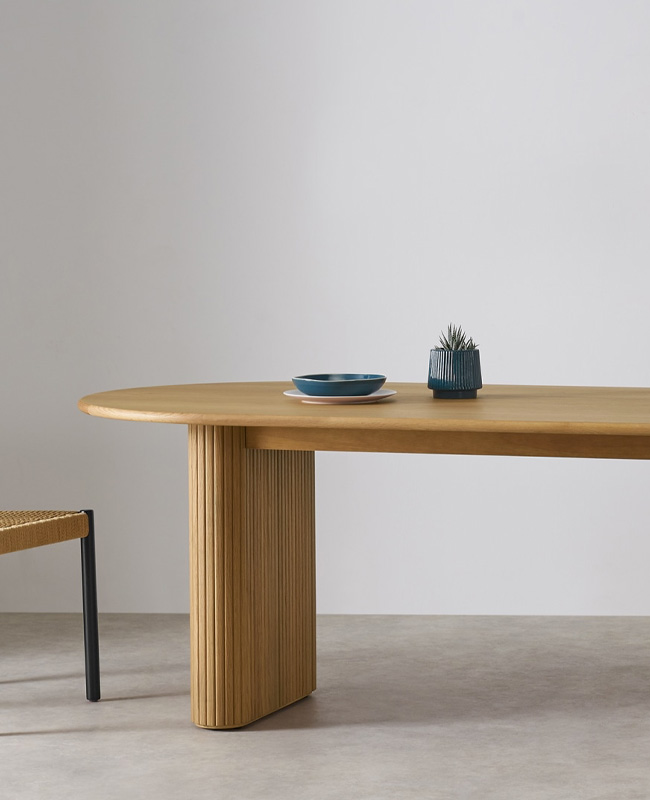 table salle a manger bois made ovale moderne