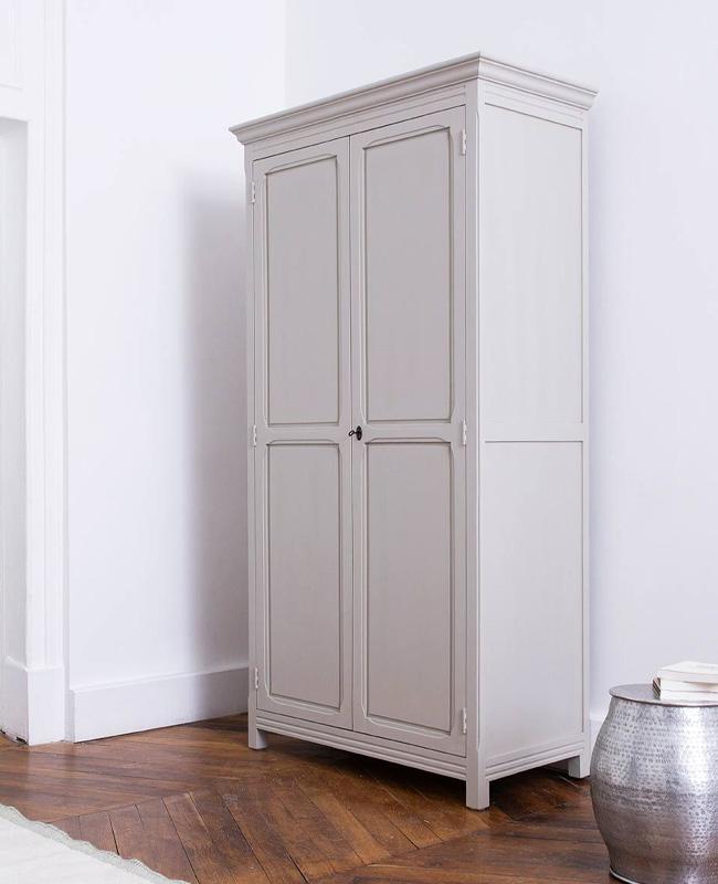 armoire parisienne grise