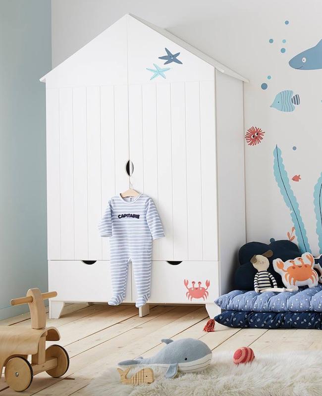 armoire enfant maison