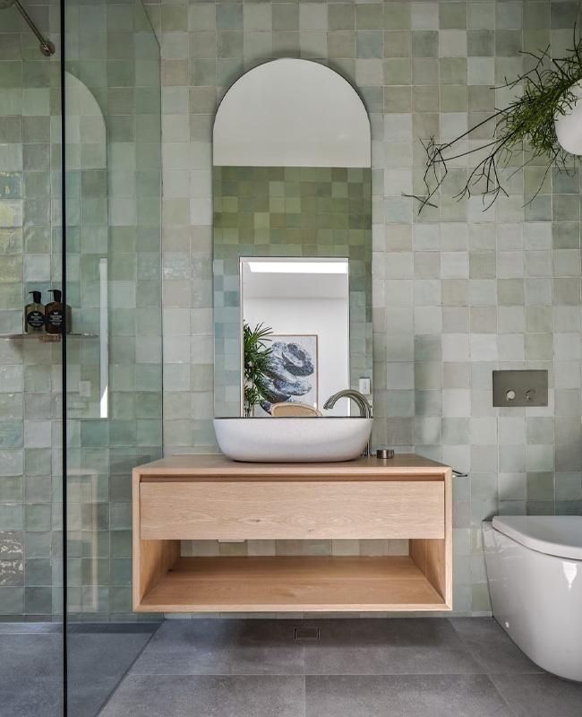 deco salle de bain moderne zellige vert d'eau