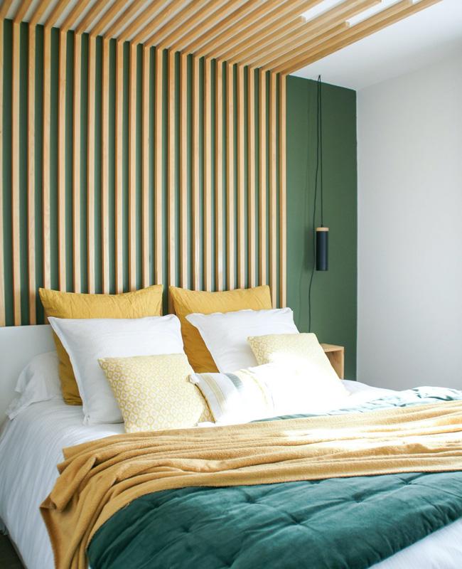 tete de lit tasseau bois diy chambre