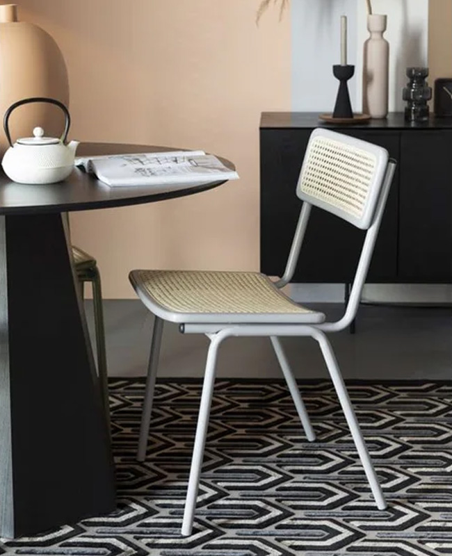 chaise cannage metal gris