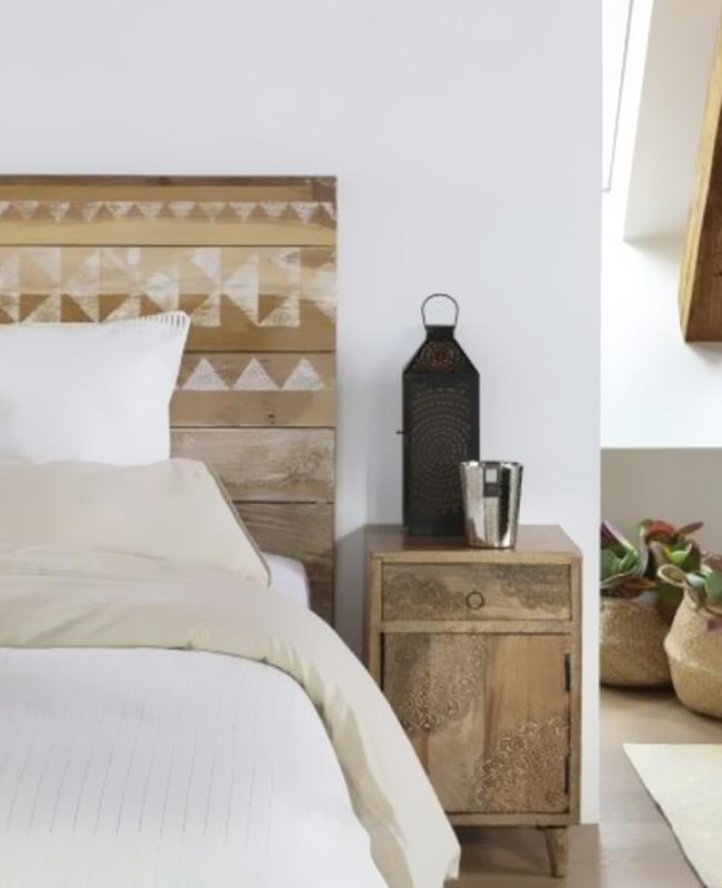 table chevet rangement bois sculpte